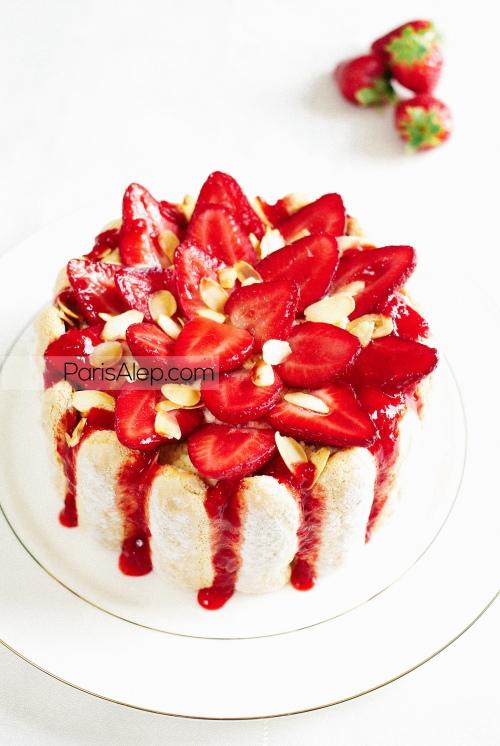 Charlotte aux fraises amandes